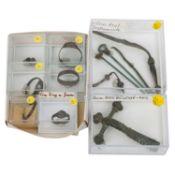 Antike Fibeln, Arztinstrumente und Fingerringe -Zusammenstellung aus 1 großen römisc