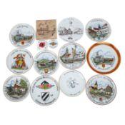 Feuerwehrwesen - Aus einer großen Sammlung 11 dekorative Andenkenteller und 2 -kachel