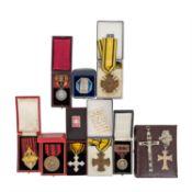 Württemberg - Konvolut mit diversen Orden und