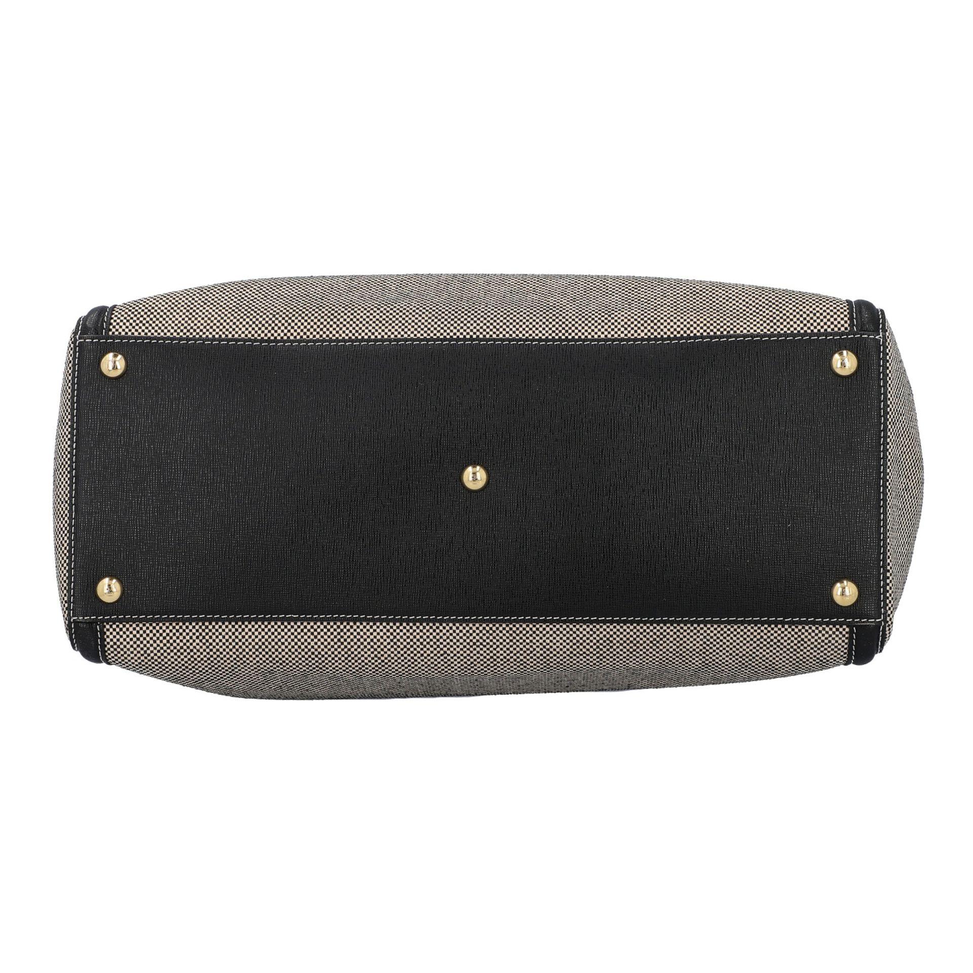 FENDI Handtasche, NP. ca.: 1.900,-€. Gewebtes Textil in Schwarz/Weiß mit schwarzem - Image 5 of 8