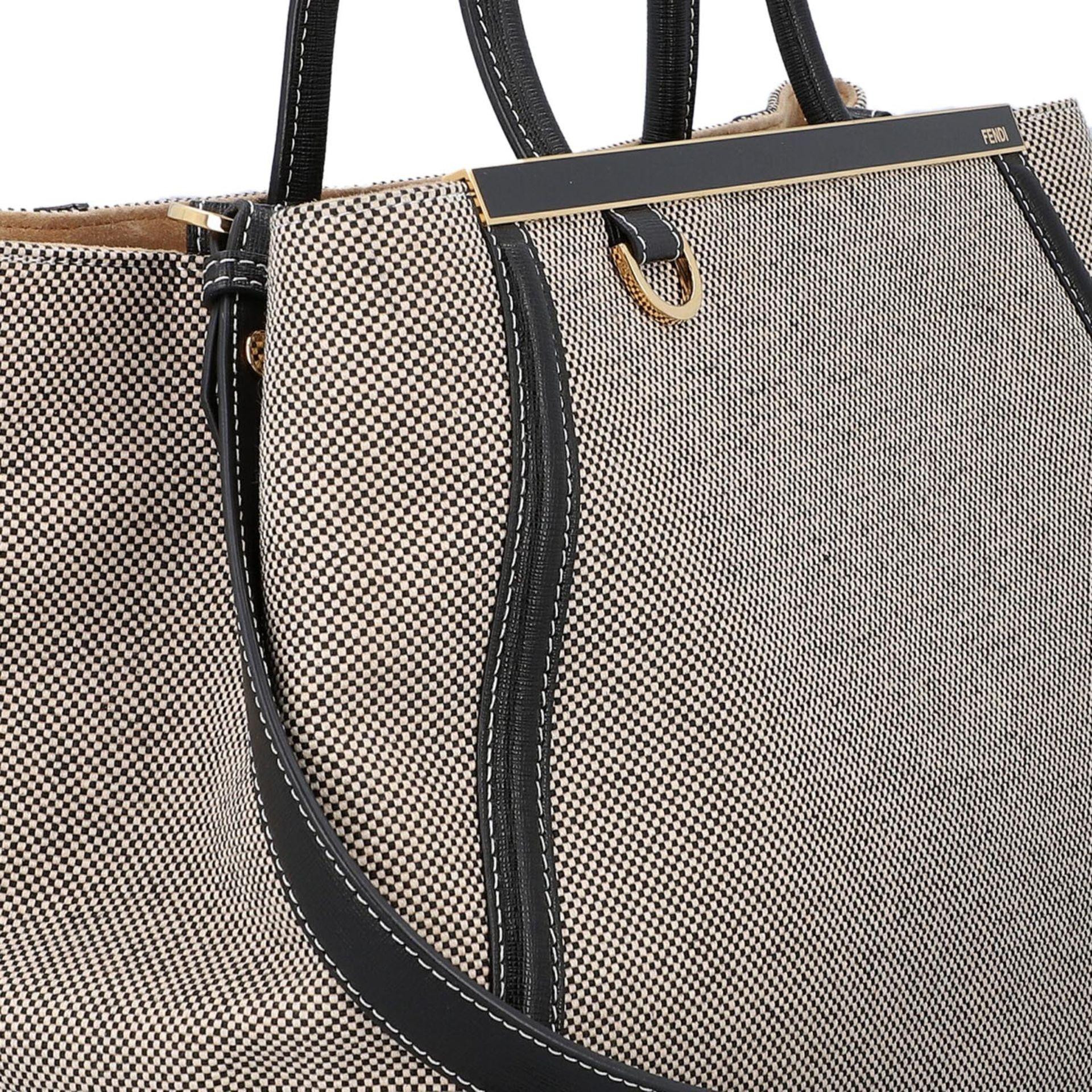 FENDI Handtasche, NP. ca.: 1.900,-€. Gewebtes Textil in Schwarz/Weiß mit schwarzem - Image 8 of 8