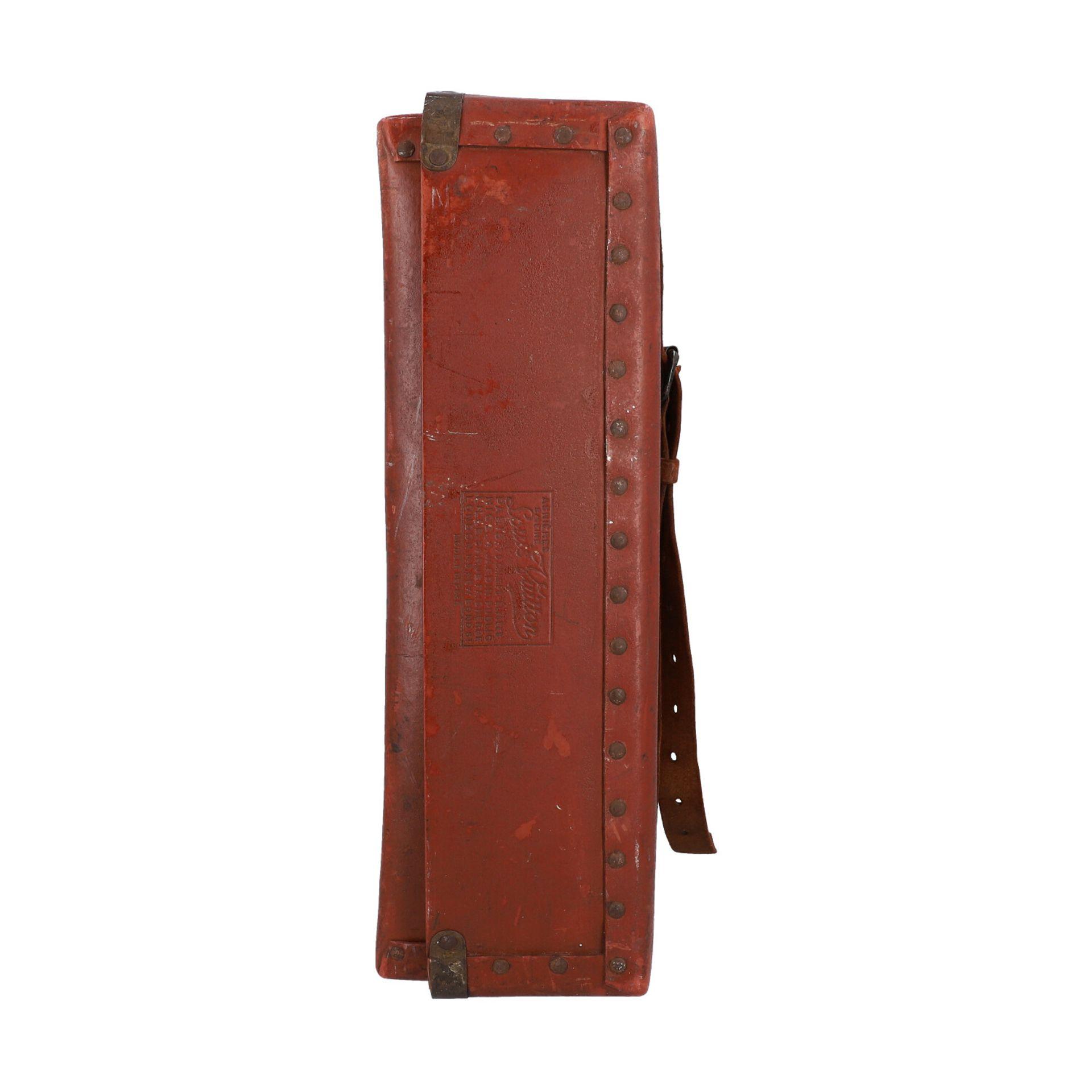 LOUIS VUITTON ANTIKER Reisekoffer, um 1900. Rarität - Sammlerstück! Mit eingravierte - Image 3 of 6