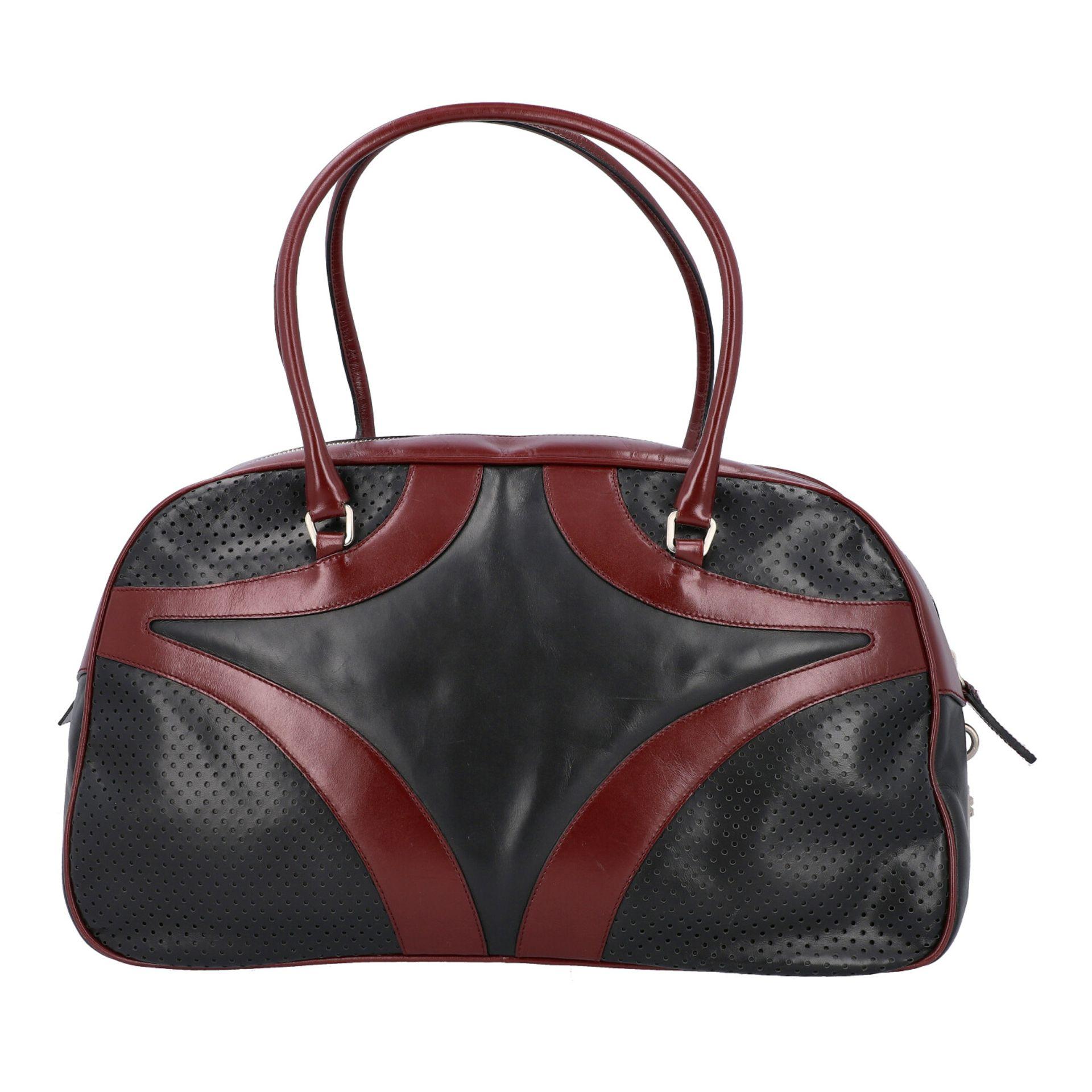 PRADA Handtasche. Glattleder in Schwarz und Bordeaux mit silberfarbener Hardware, umla