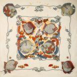 """HERMÈS Grandfoulard """"GRANDS FONDS"""", 140x140cm. Baumwollgemisch in Beige mit Fischmoti"""