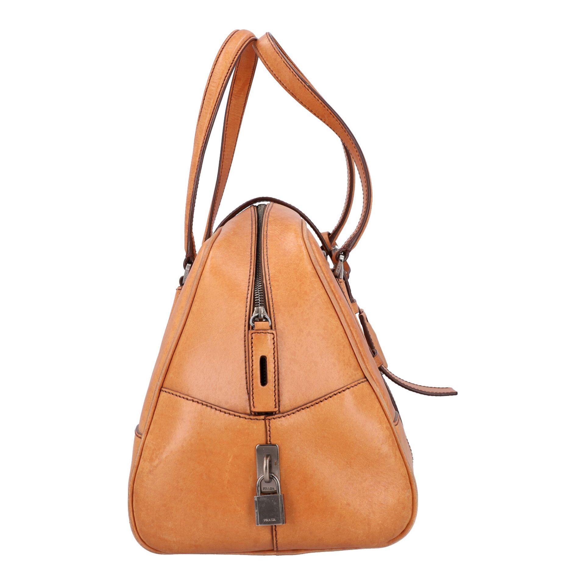 PRADA Handtasche. Glattleder in Beige mit silberfarbener Hardware, stabiles Modell mit - Image 3 of 8