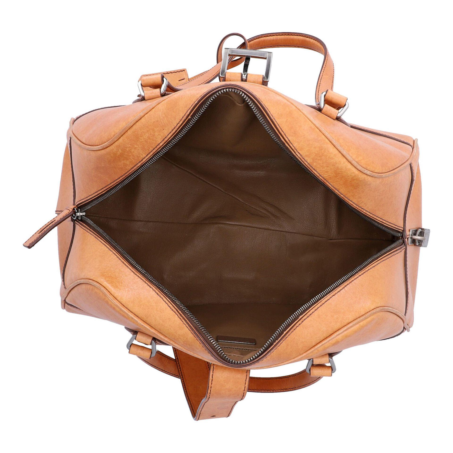 PRADA Handtasche. Glattleder in Beige mit silberfarbener Hardware, stabiles Modell mit - Image 6 of 8