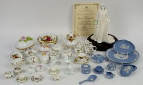 Royal Worcester for Compton and Woodhouse Queen Elizabeth the Queen Mother, Wedgwood jasperware