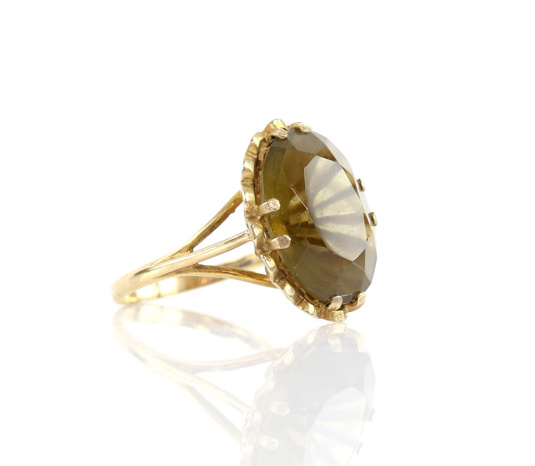 Single stone citrine ring. Oval cut citrine measuring 18.36 x 13.39mm, mounted in 9 ct, - Image 2 of 3