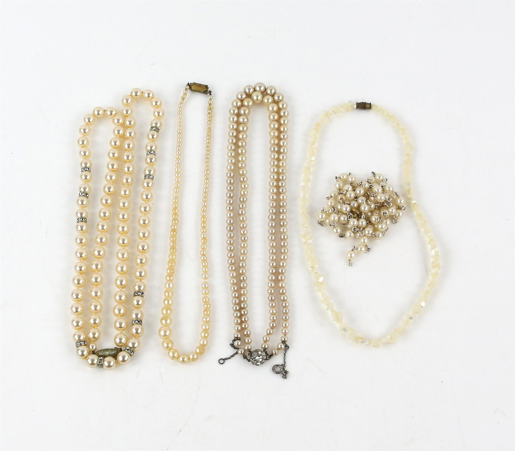 A group of costume jewellery, including a long fancy link necklace, 89cm in length, - Image 5 of 5