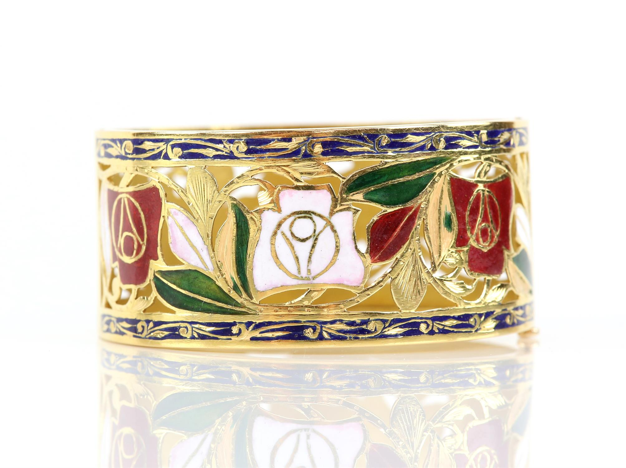 Enamel red and white rose gold pierced bangle, with enamel leaves and scrolled blue enamel borders, - Image 2 of 7