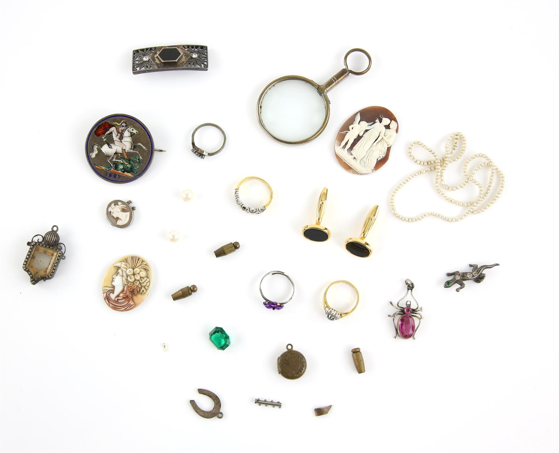 A mixed group of items, including a pearl and box chain link necklace, 38cm in length, - Image 2 of 2
