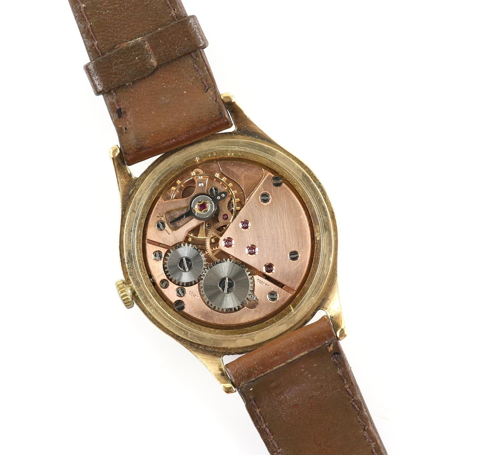 Baume gentleman's gold wristwatch, signed dial with baton and Arabic numeral hour markers - Image 2 of 2