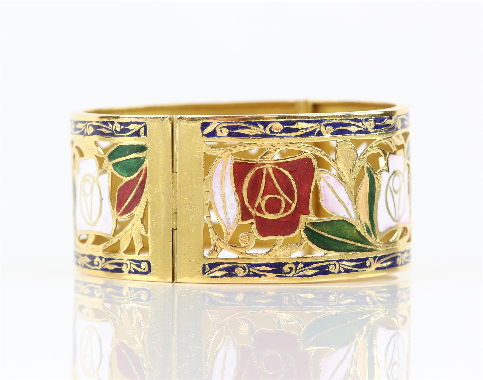 Enamel red and white rose gold pierced bangle, with enamel leaves and scrolled blue enamel borders, - Image 3 of 7