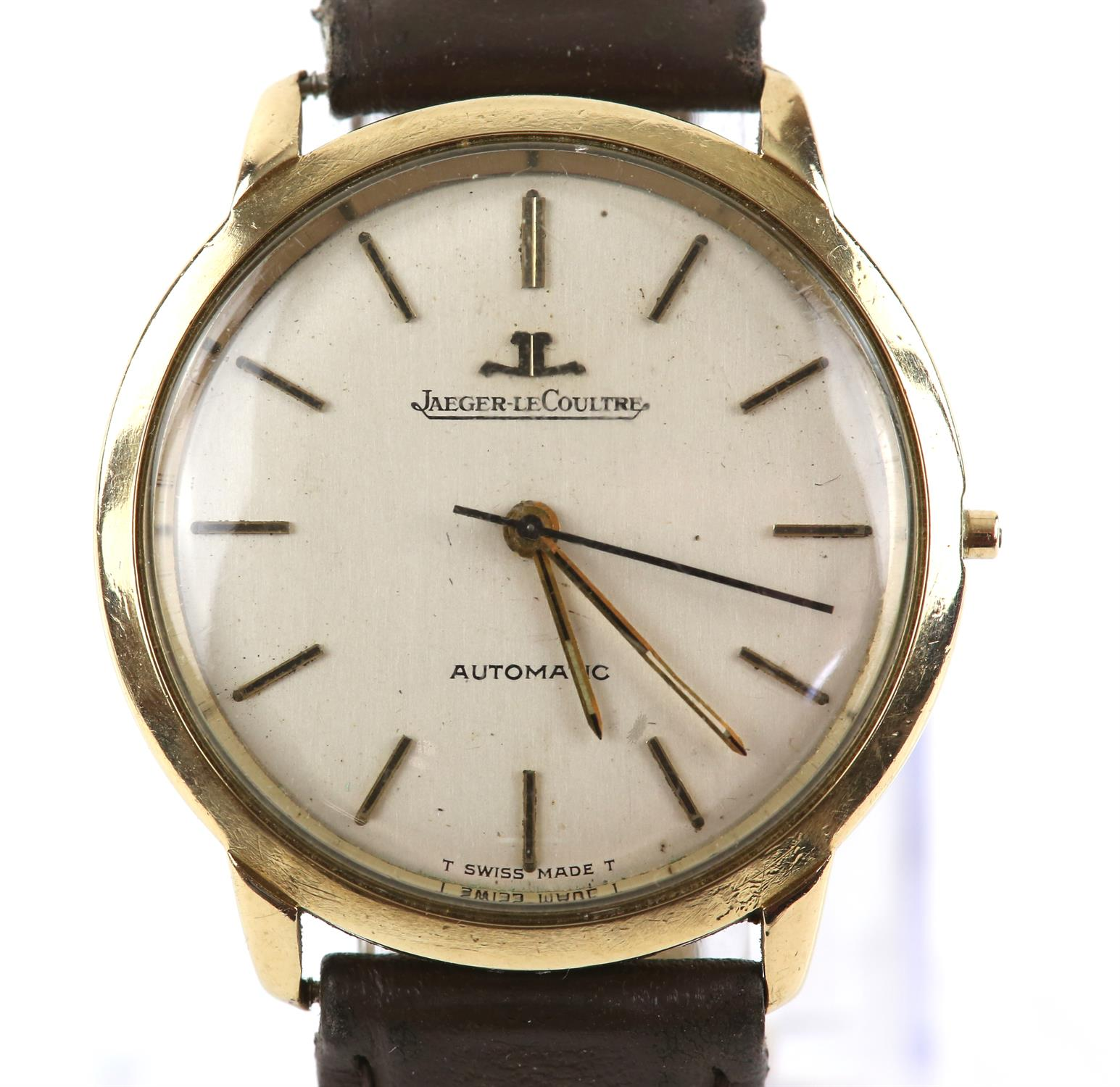Jaeger Le Coultre, Reference 386 91 A Gentleman's gold cased wristwatch, signed silvered dial with