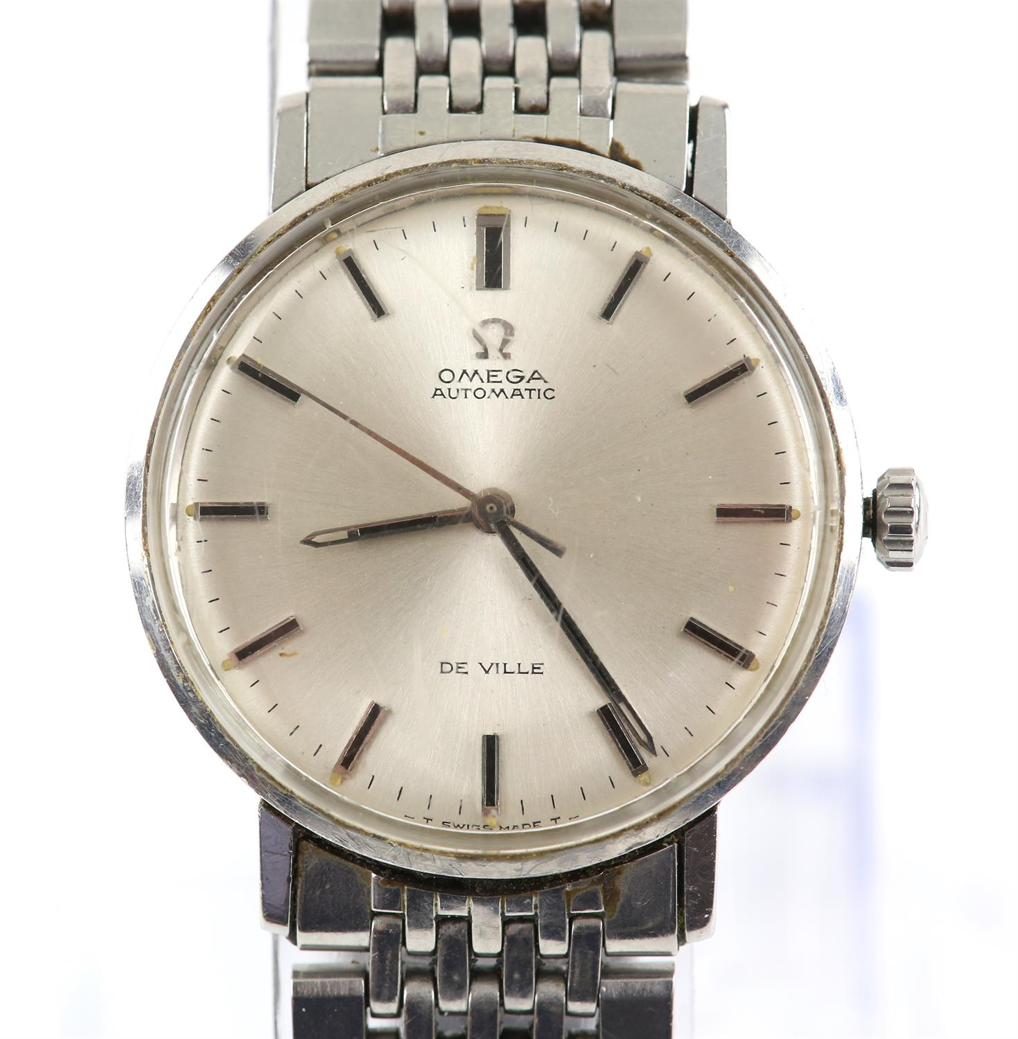 Omega, A Gentleman's Seamaster De Ville, stainless steel wristwatch, the signed silvered dial with