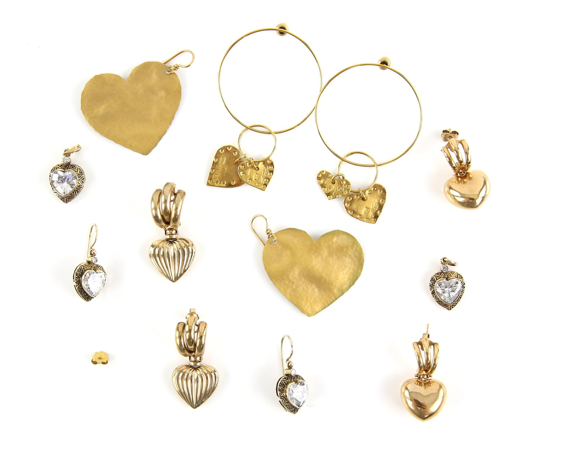 Selection of heart jewellery, including two pair of puff heart drop earrings, in 9 ct,