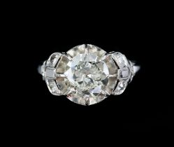 Mid 20th C single stone diamond ring, transitional cut diamond, weighing an estimated 2.30 carats,