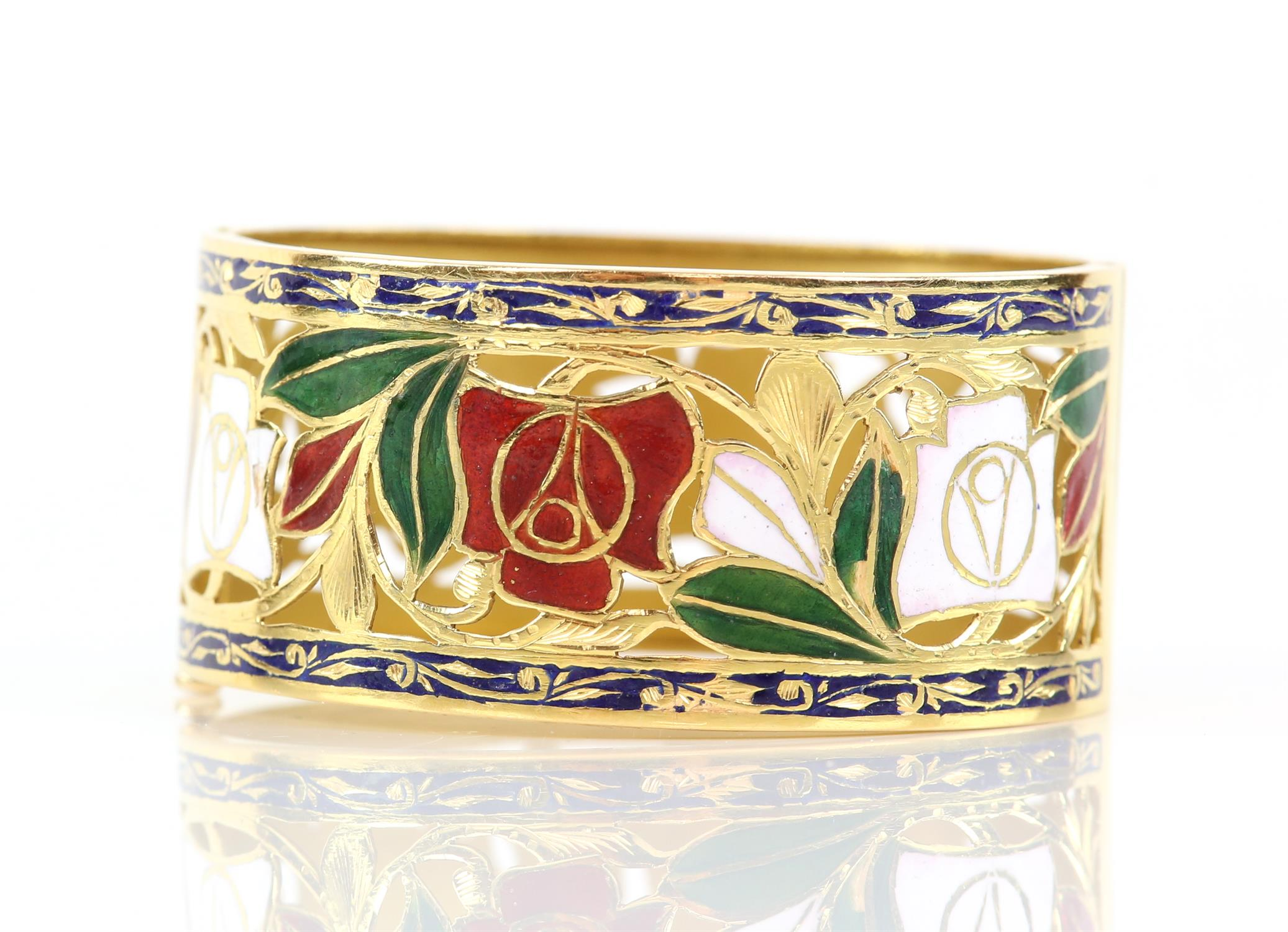Enamel red and white rose gold pierced bangle, with enamel leaves and scrolled blue enamel borders, - Image 5 of 7