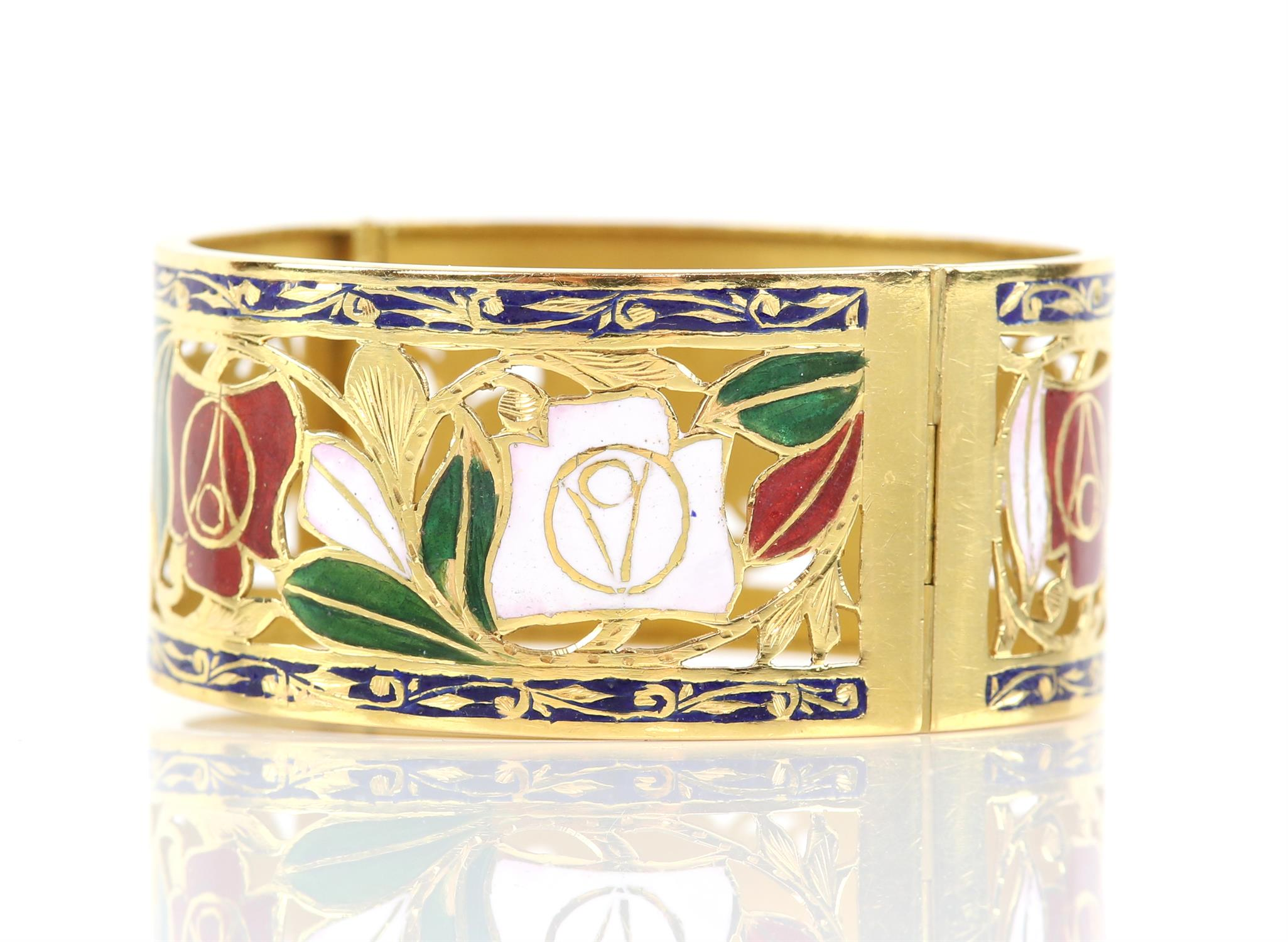 Enamel red and white rose gold pierced bangle, with enamel leaves and scrolled blue enamel borders, - Image 4 of 7