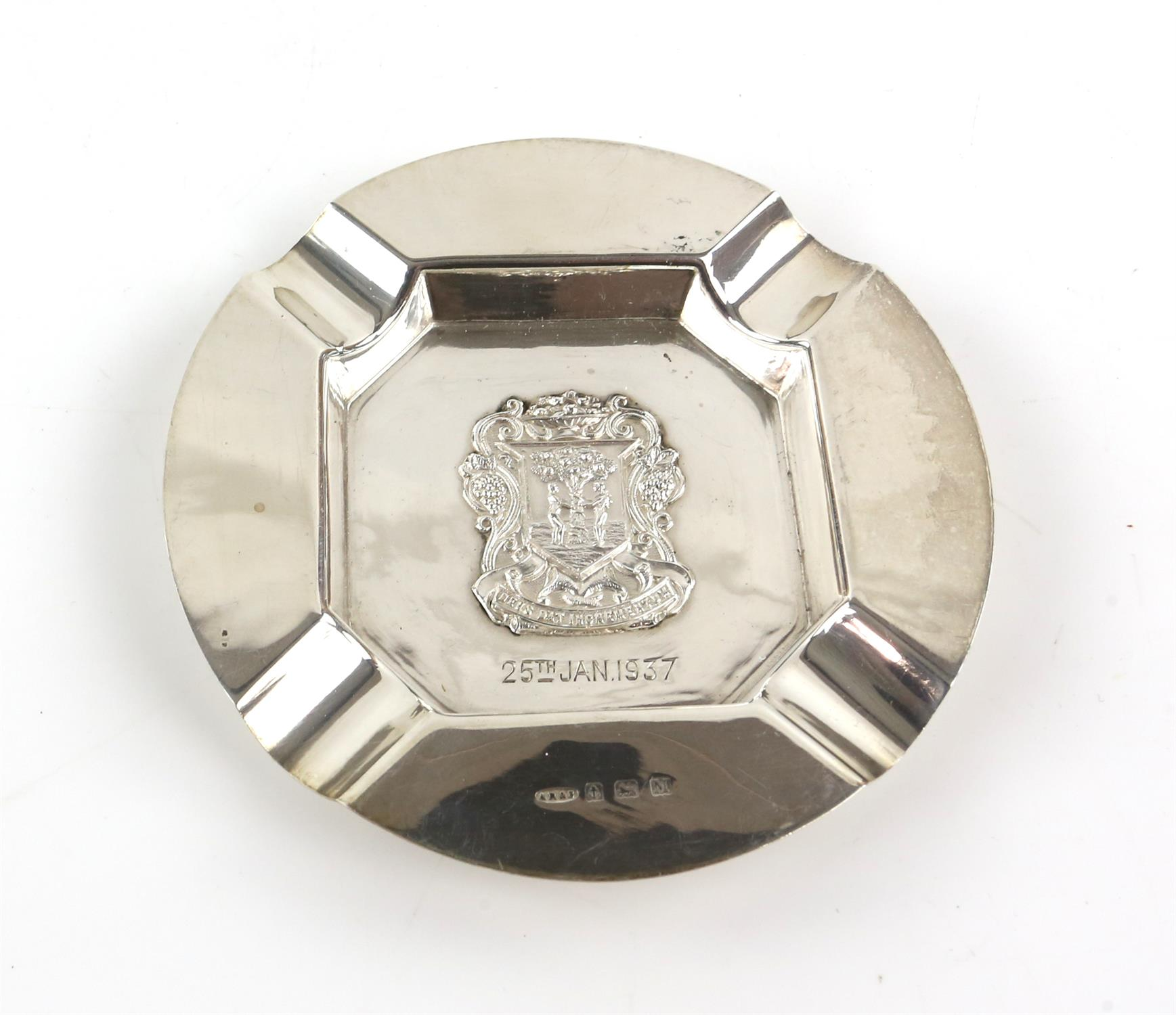 The Worshipful Company of Fruiterers, 5 spoons and 3 ash trays, together with two golfing tea - Image 4 of 11