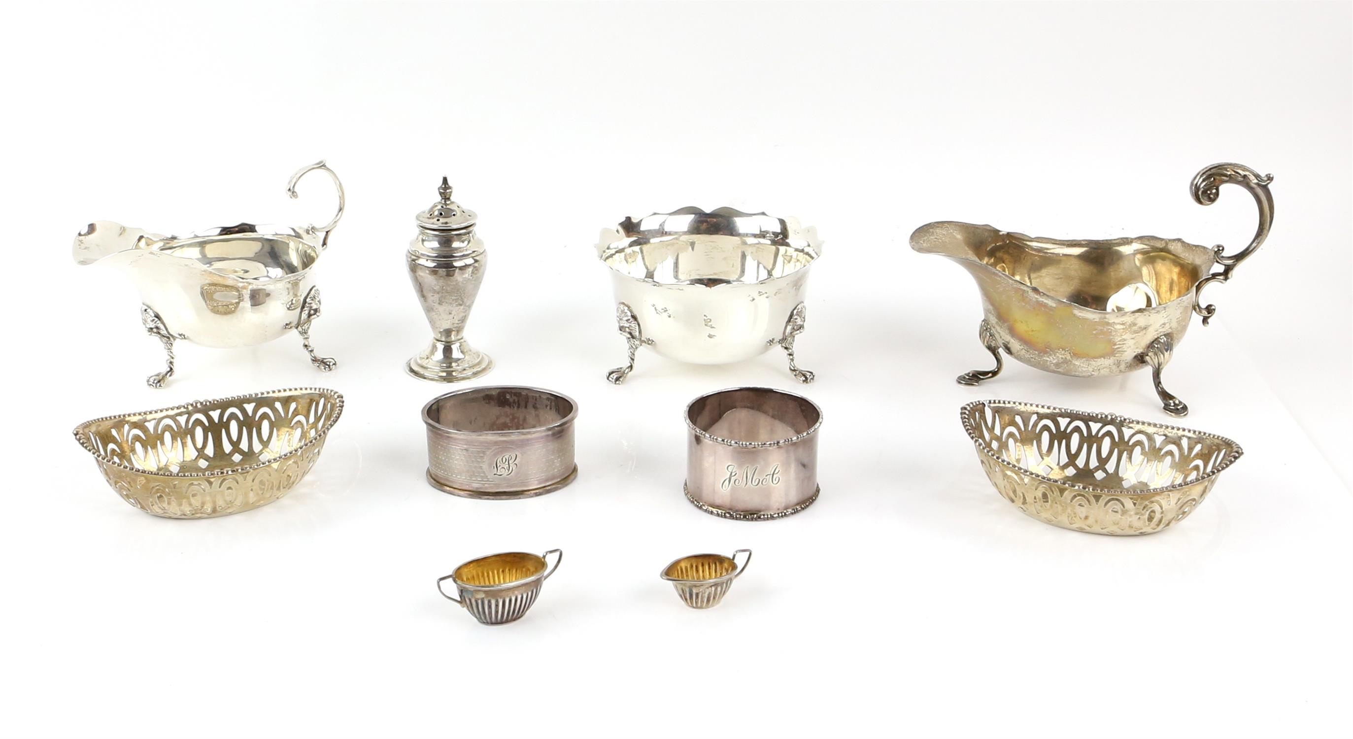 Pair of oval pierced silver bon-bon dishes, by Robert Pringle & Sons London 1927,