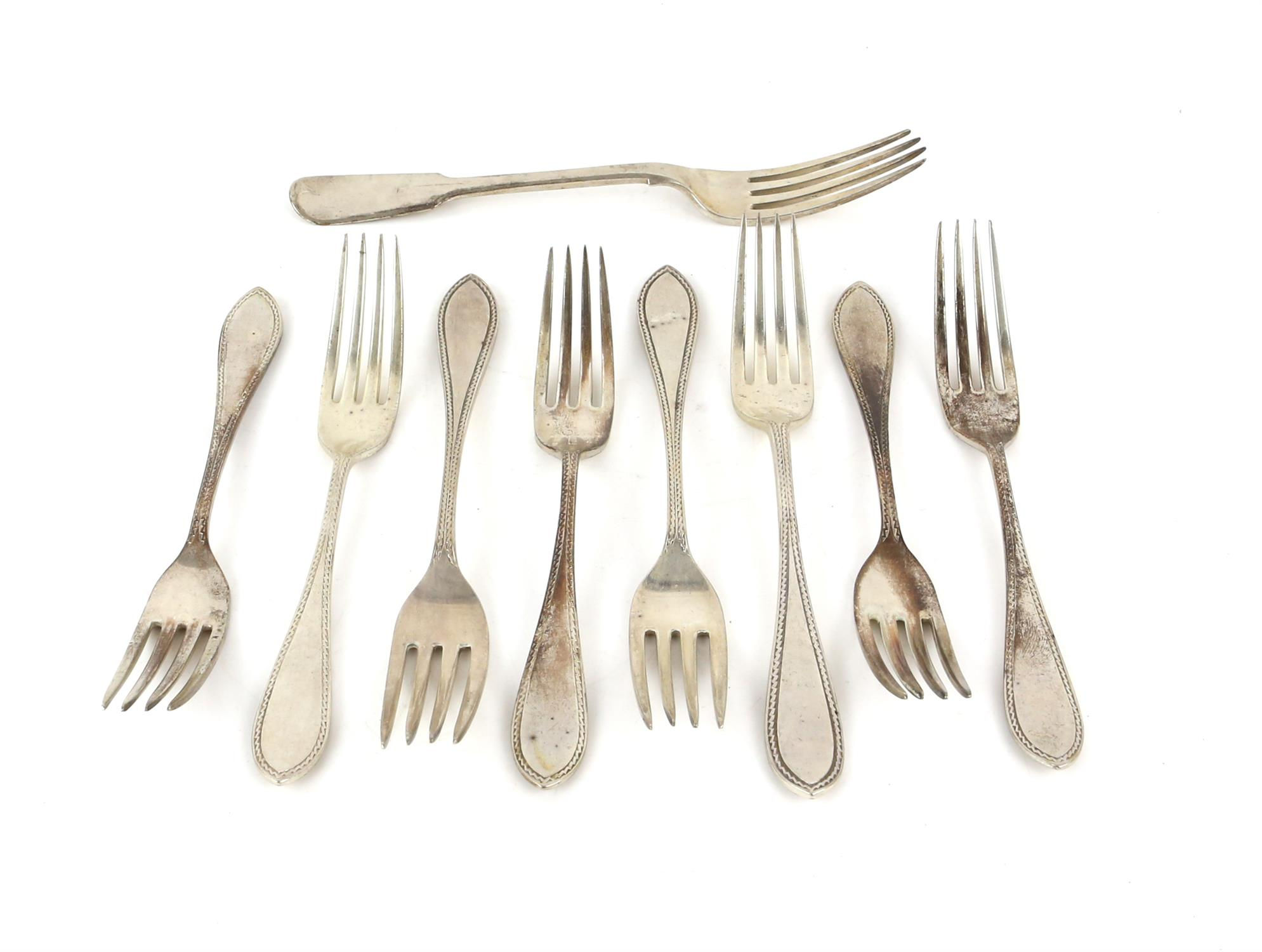 Set of eight George V silver dessert forks with patterned handles, by Walker & Hall, Sheffield,