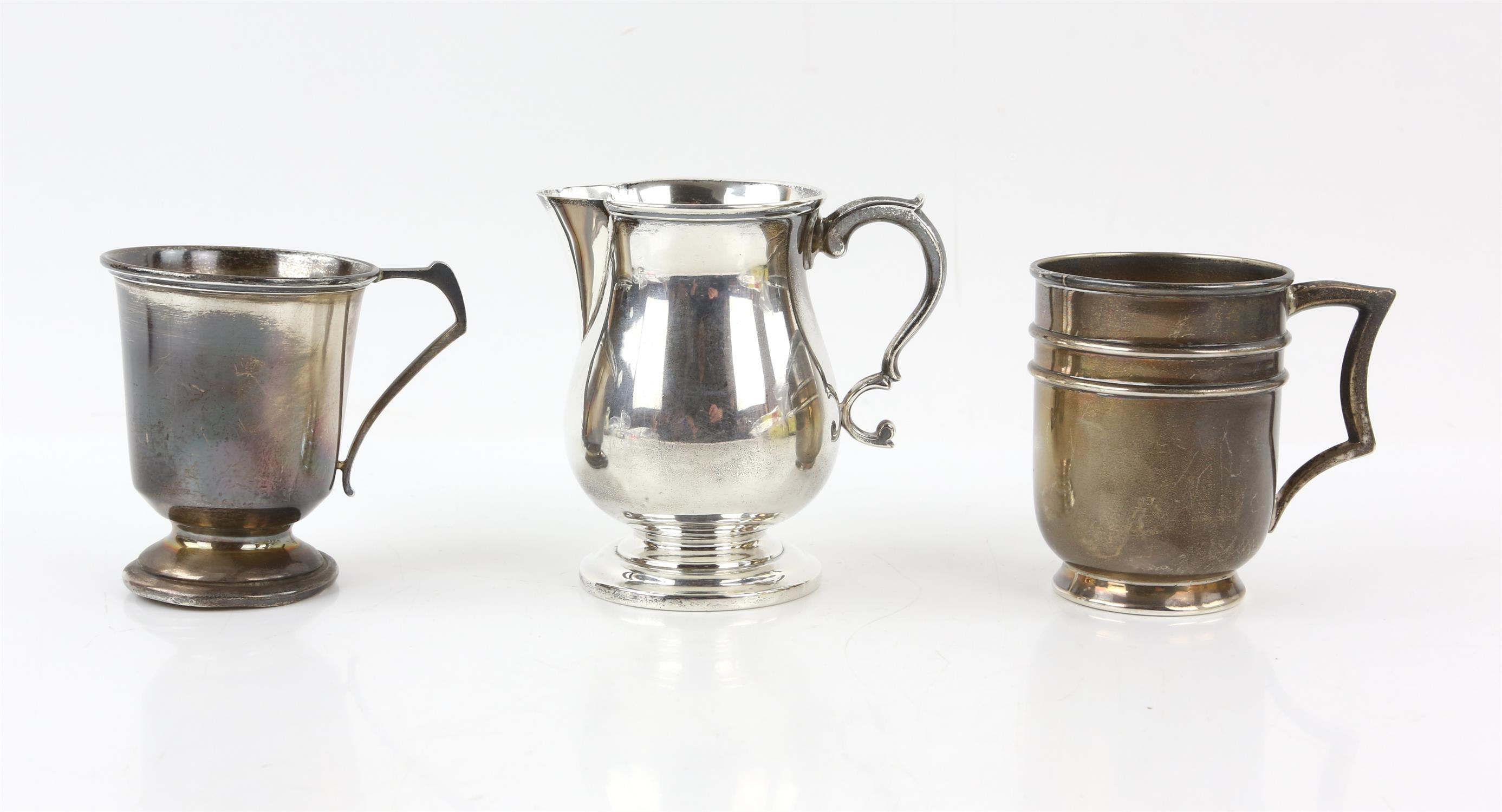 Edward VII silver cream jug with 'S'-scroll handle on round foot, by Ackroyd Rhodes, London, 1904,