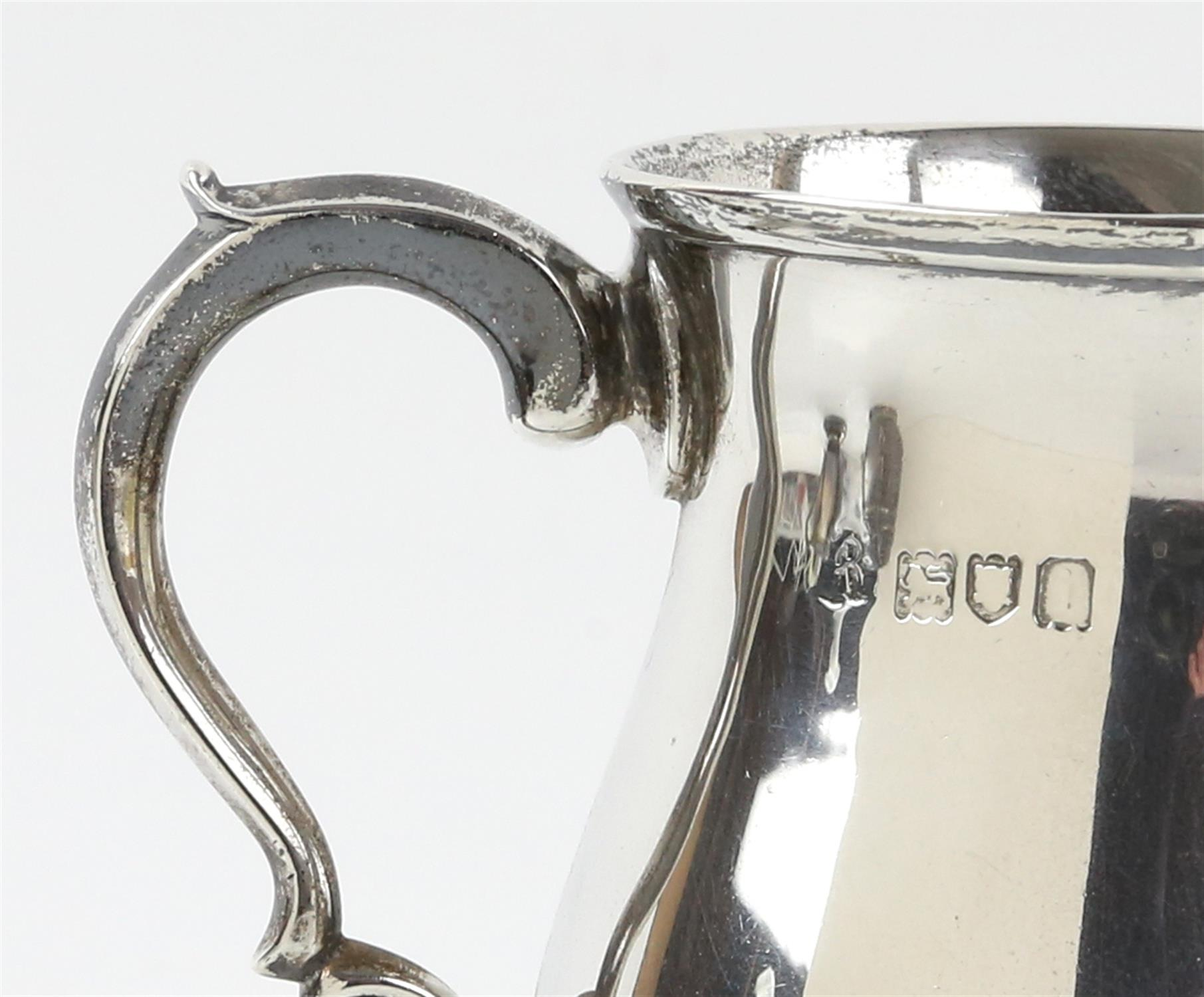 Edward VII silver cream jug with 'S'-scroll handle on round foot, by Ackroyd Rhodes, London, 1904, - Image 3 of 7