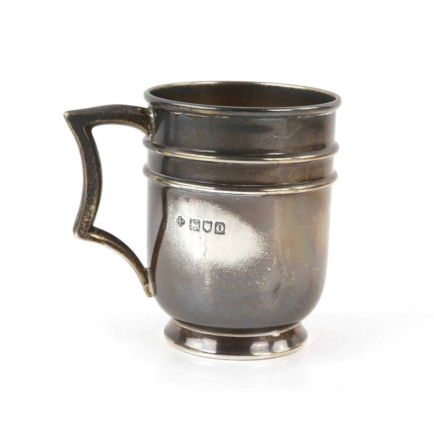 Edward VII silver cream jug with 'S'-scroll handle on round foot, by Ackroyd Rhodes, London, 1904, - Image 4 of 7