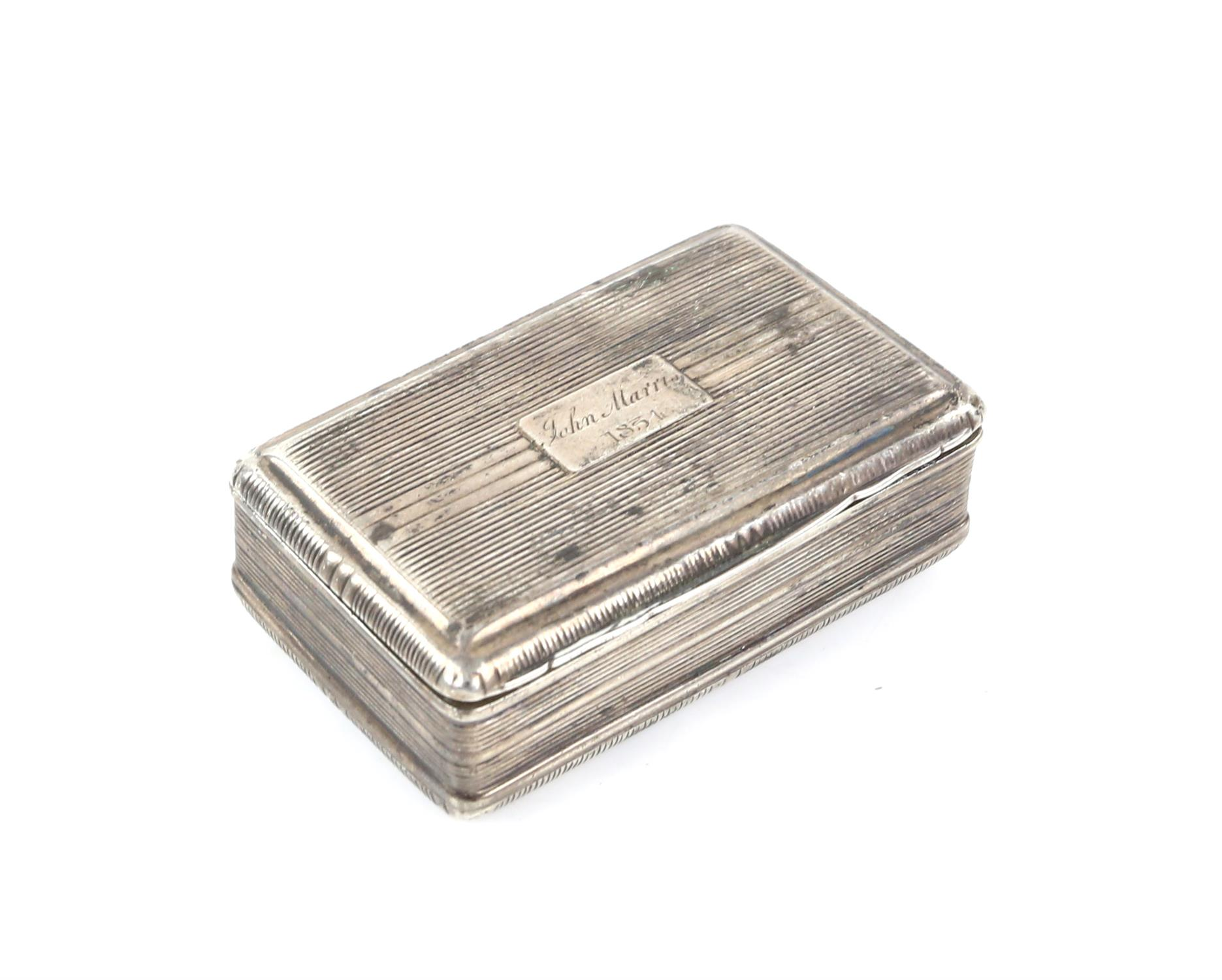 George III silver snuff box by John Shaw, Birmingham 1818, 6.5cm x 4cm x 2cm 2oz 66gm - Image 2 of 5