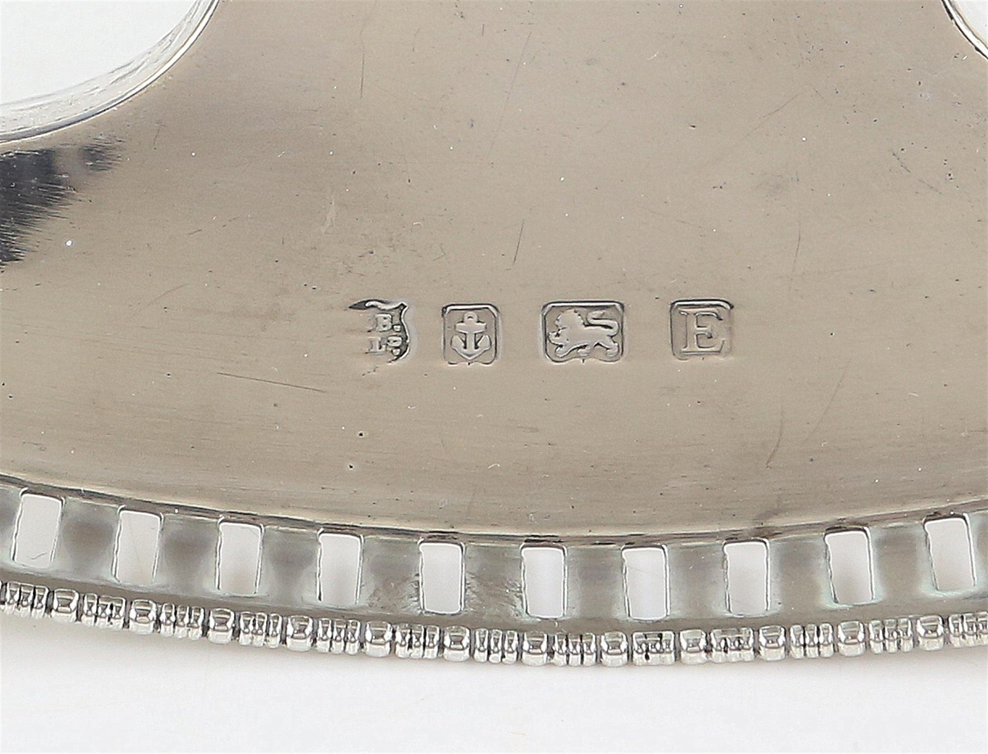 George V silver desk stand of eliptical form with two cut glass and silver mounted inkwells, - Image 4 of 8