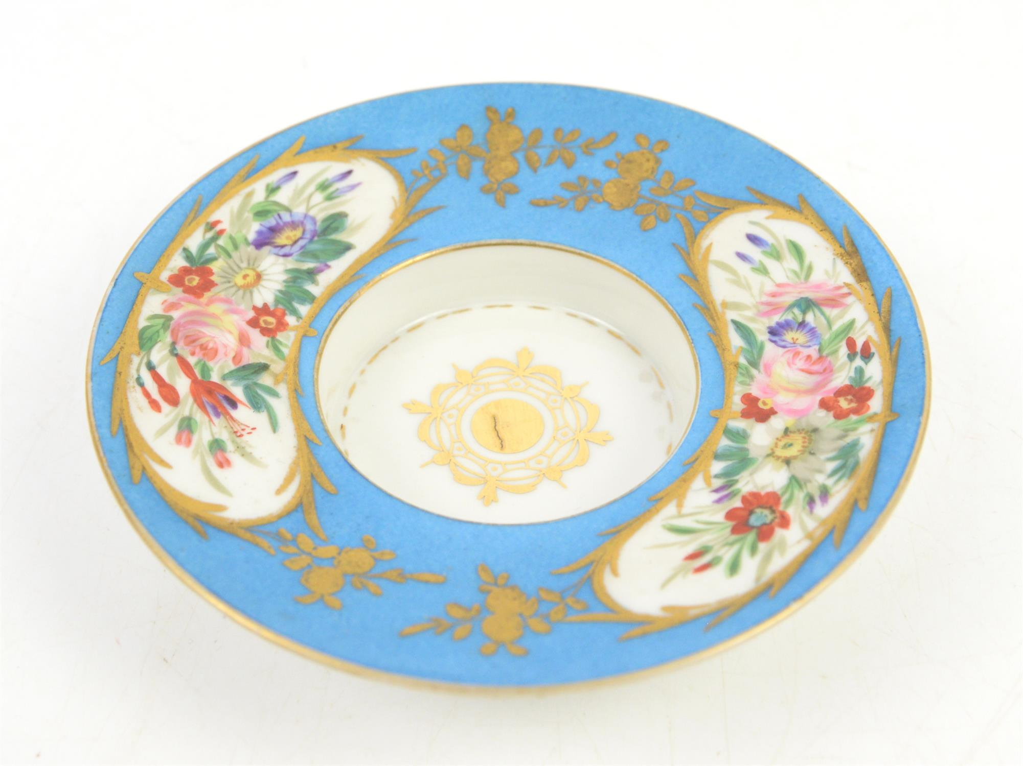 """Early 19th century Sevres """"Bleu Celeste"""" milk cup with cover and saucer, decorated with a portrait - Image 4 of 5"""