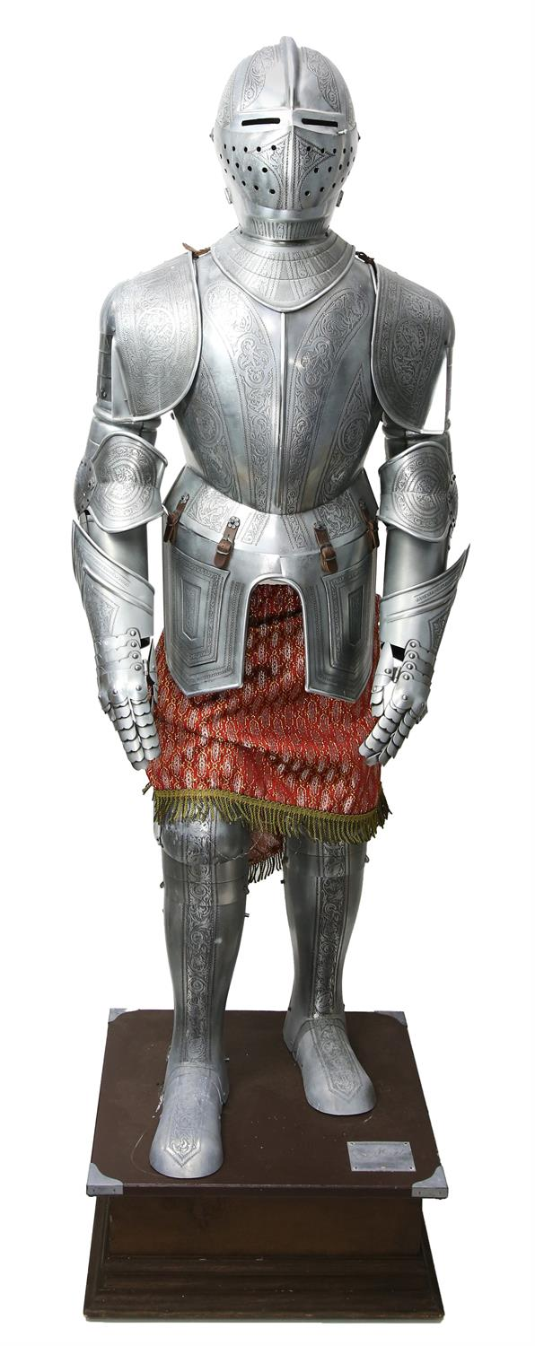 Spanish Suit of Etched Armor - Reproduction of 16th century by Marto. This full size Spanish suit