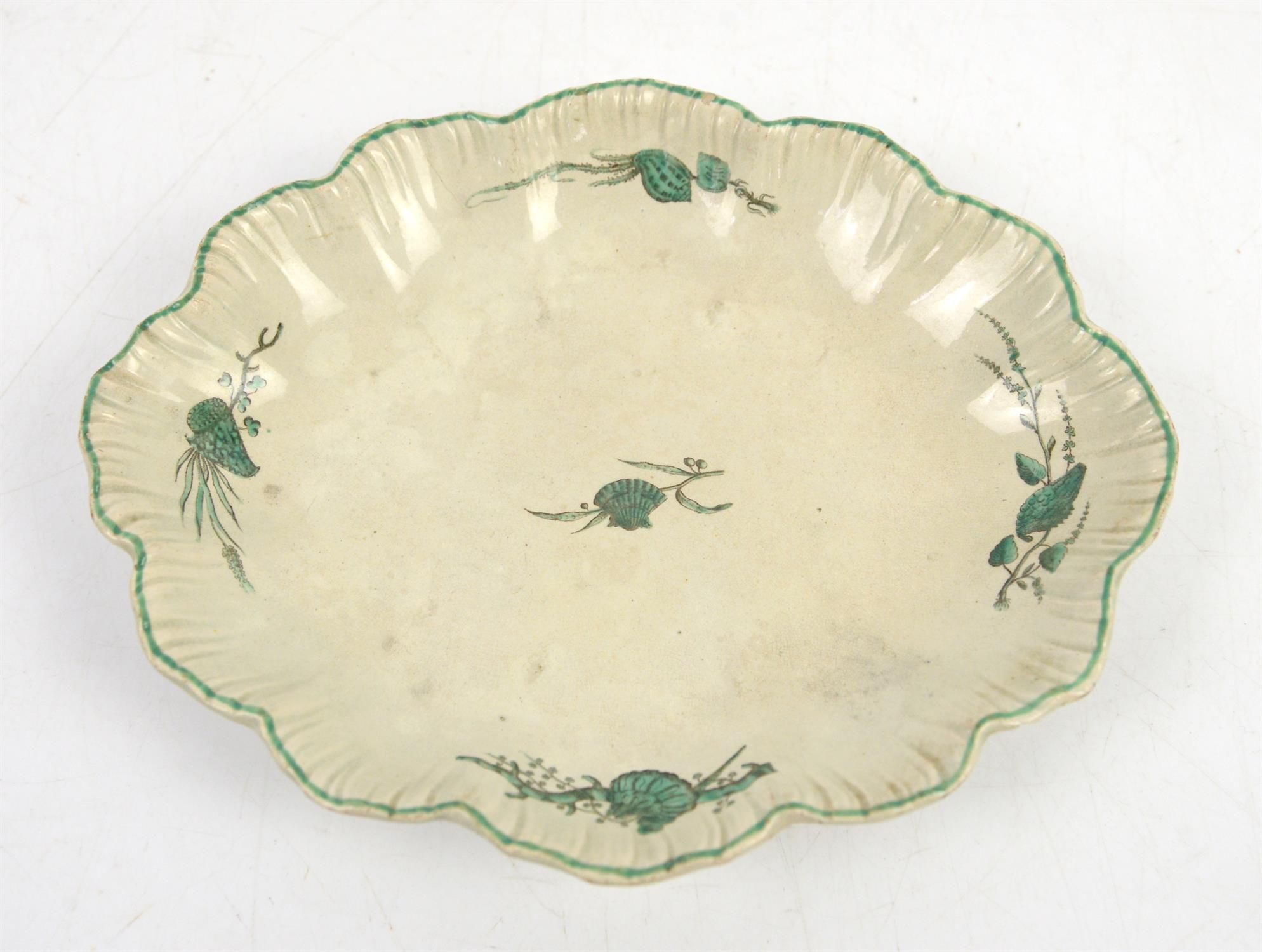 Wedgwood Creamware green feather edge dish decorated with shells and seaweed, circa 1780, 22 x 28cm