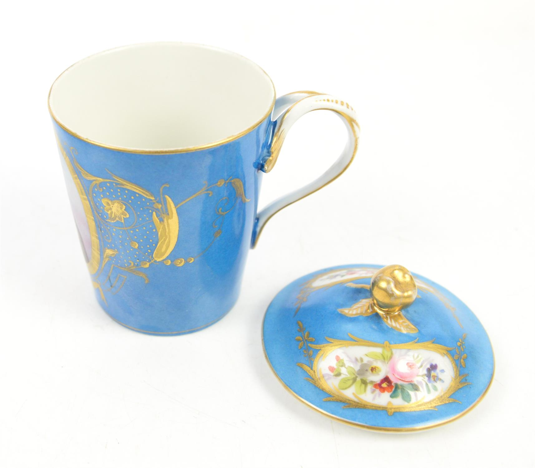 """Early 19th century Sevres """"Bleu Celeste"""" milk cup with cover and saucer, decorated with a portrait - Image 3 of 5"""