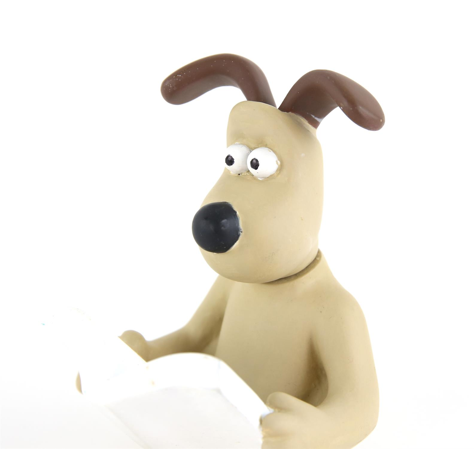Wallace and Gromit - An original Aardman Animations prototype Gromit figure. Moulded from resin in - Image 2 of 4