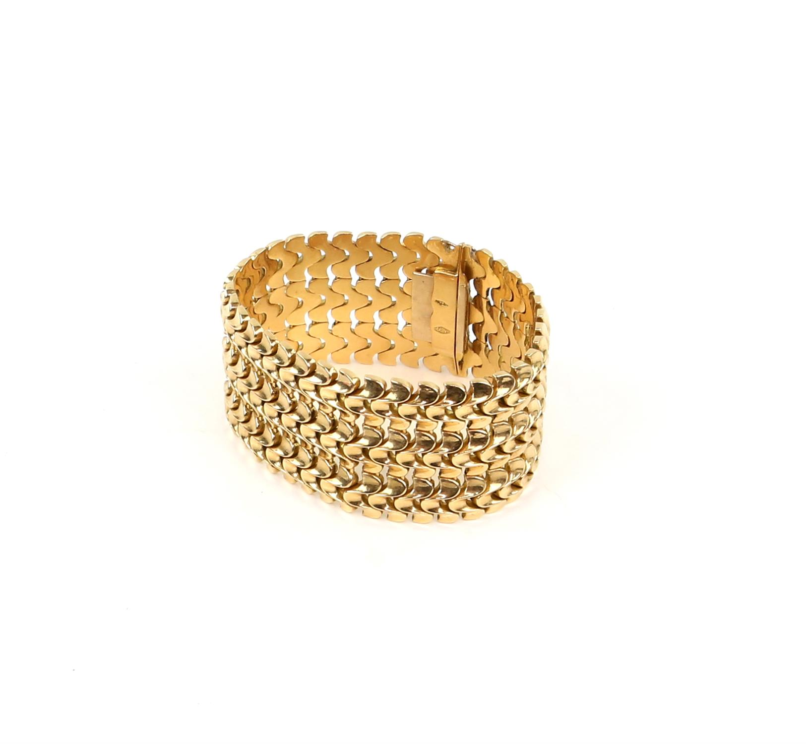 Vintage gold bracelet, three rows of fancy links, 3.5cm in width, with concealed push clasp, - Image 2 of 4
