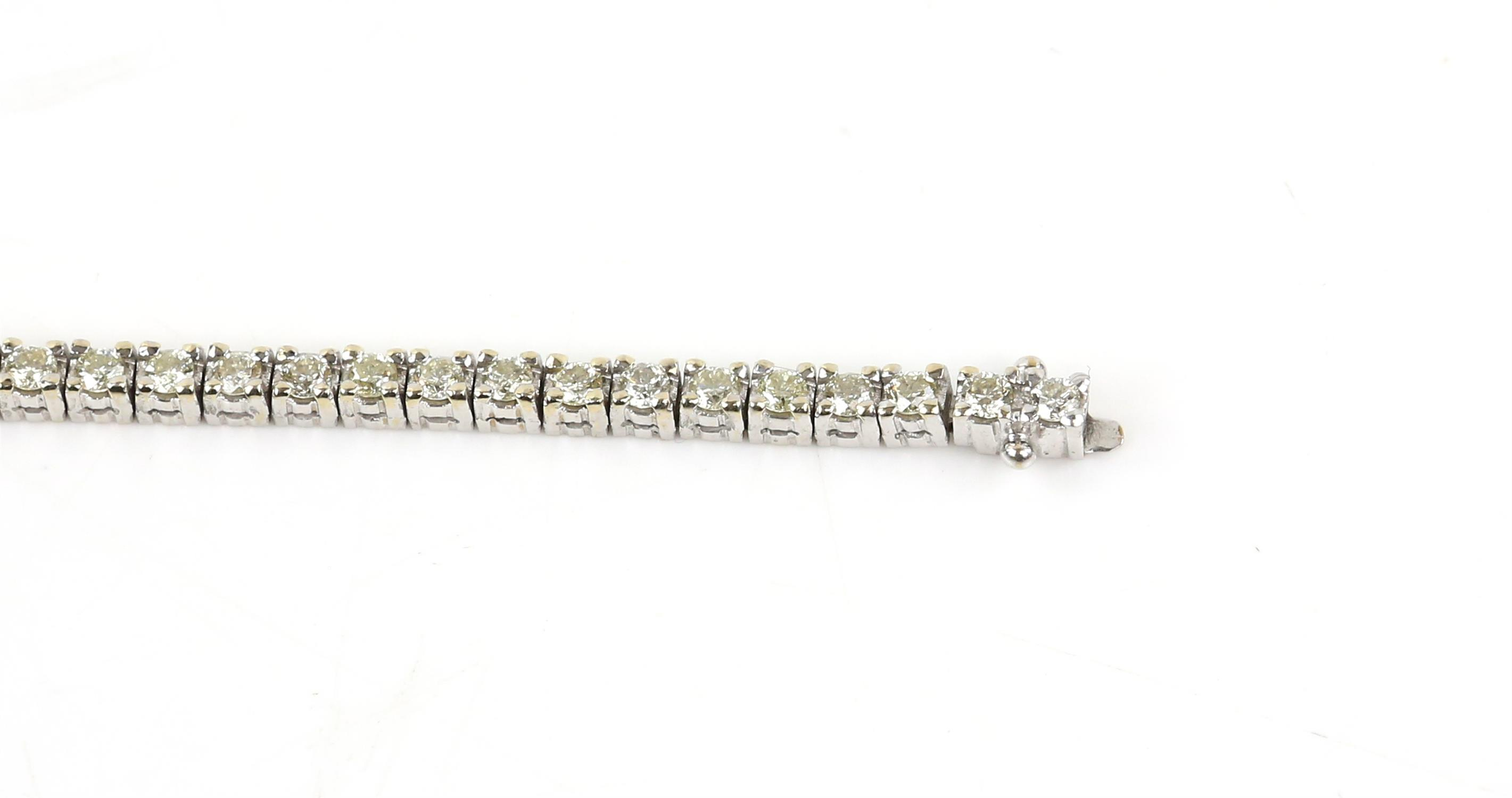 Diamond line bracelet, set with round brilliant cut diamonds, estimated total diamond weight 3. - Image 4 of 6