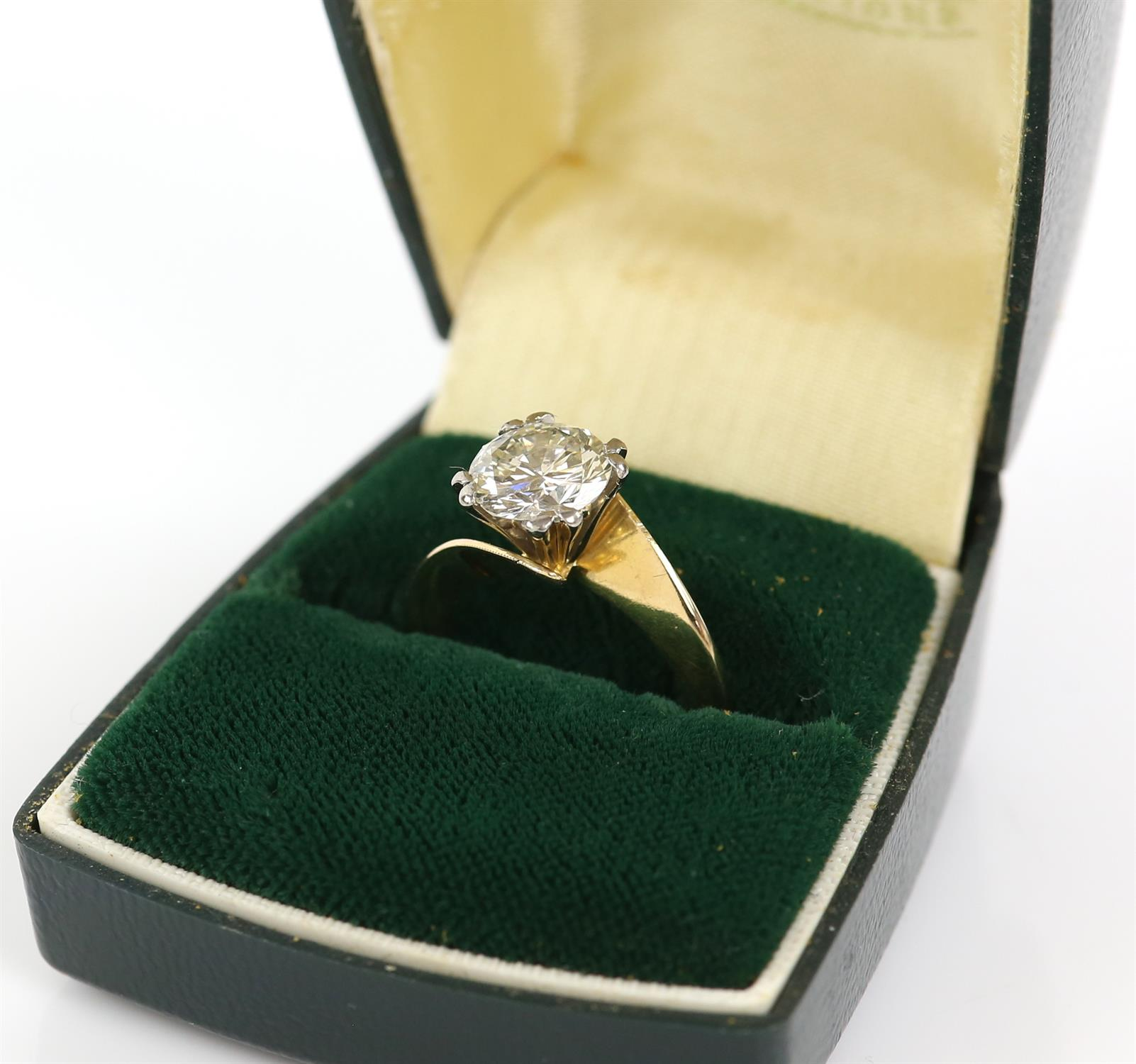 Single stone diamond ring, round brilliant cut diamond weighing an estimated 2.02 carats, - Image 5 of 6