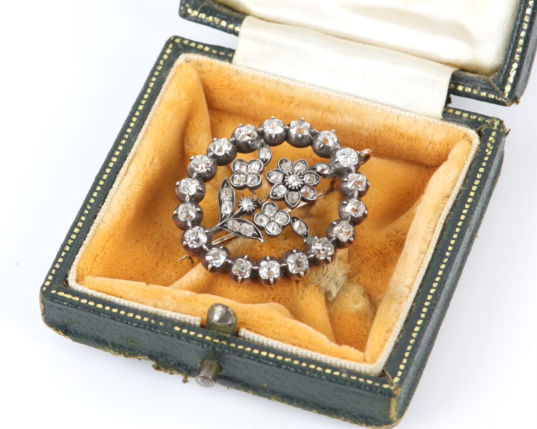 19th C floral diamond brooch, surround set with eighteen old Peruzzi cut diamonds brooch and twenty - Image 4 of 4