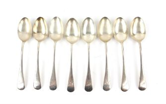 Old English Pattern silver flatware (1930s various dates) comprising eight table spoons,