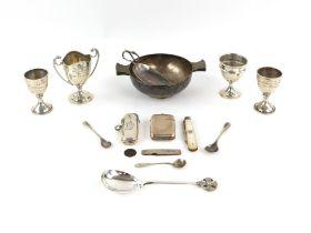 Silver Quaich by Robert Pringle & Sons, London 1932, with inscription, three small presentation