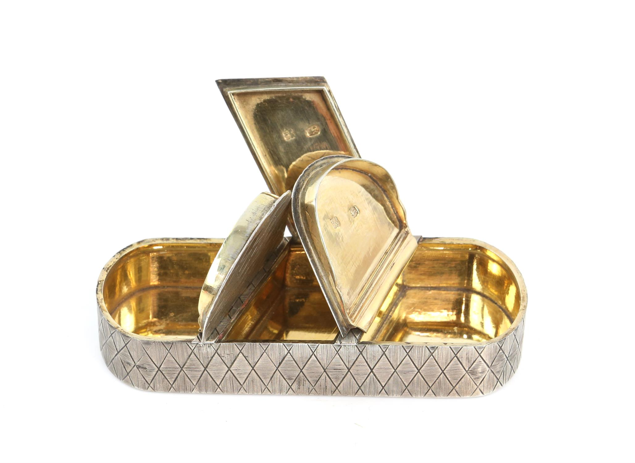 George III silver triple oval snuff box by Thomas Phipps & Edward Robinson, with diamond patterned - Image 7 of 7