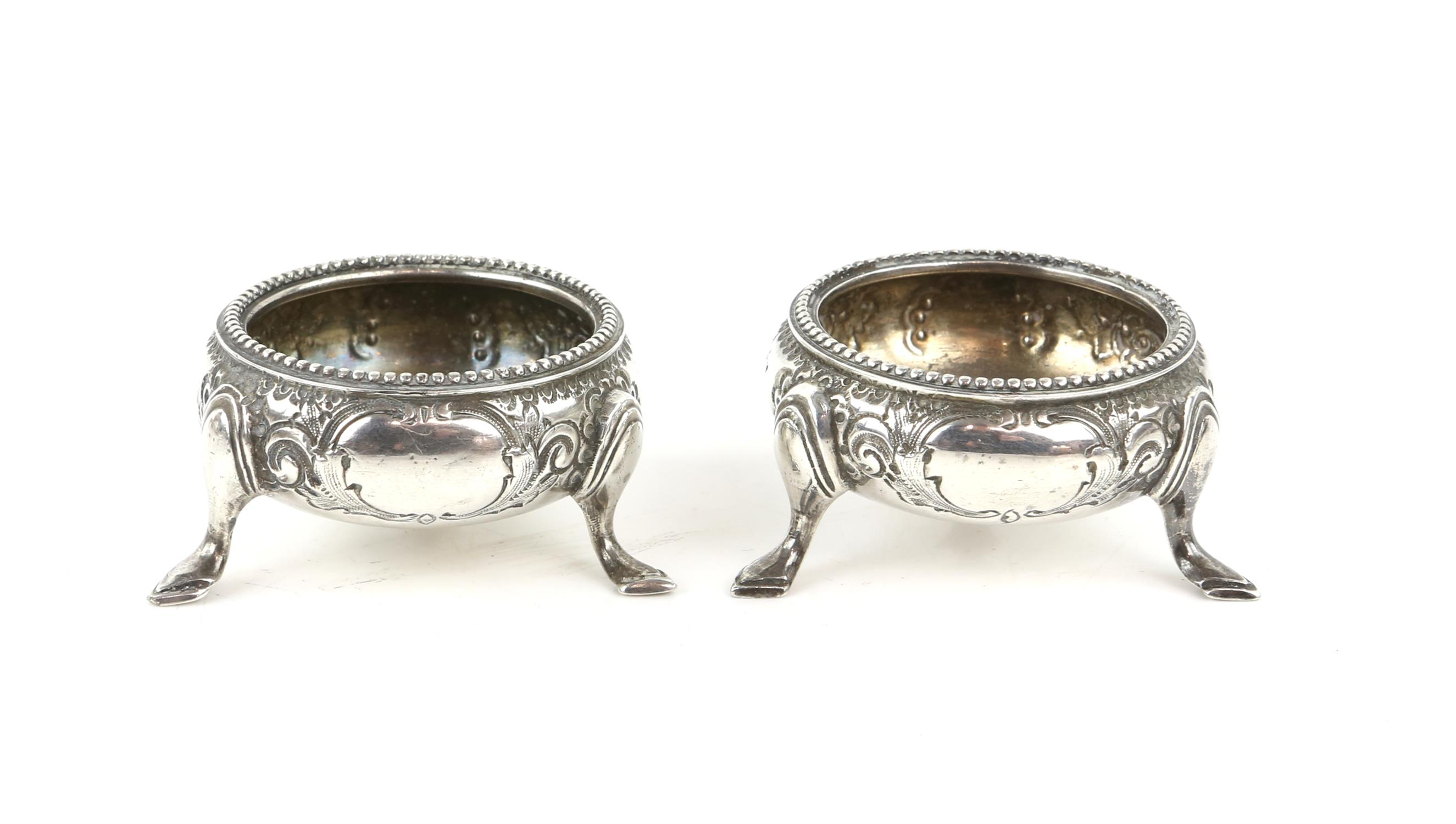 American sterling silver pepperette with floral embossed ddecoration, marked Sterling, - Image 6 of 18