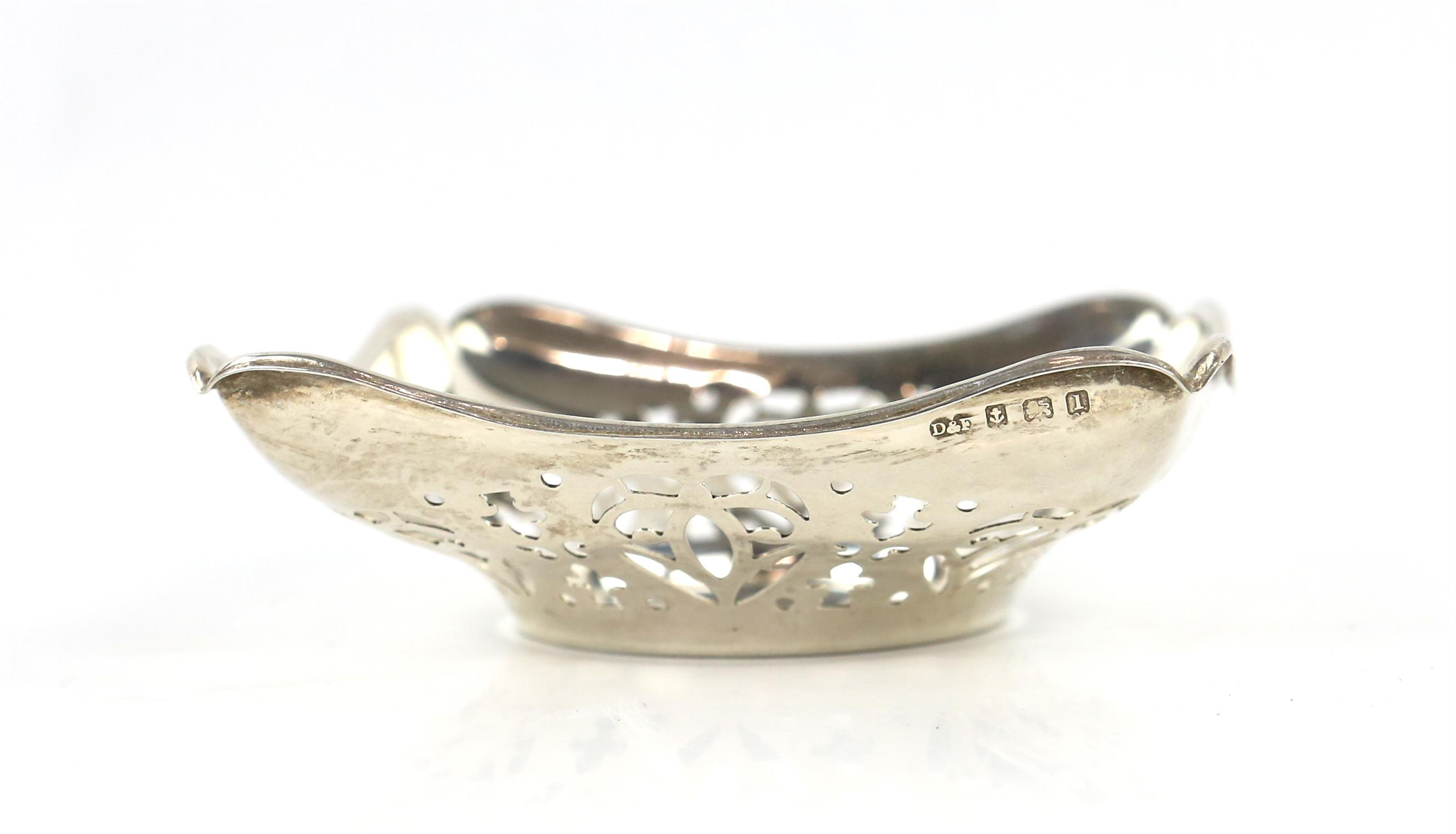 Pair of pierced square form silver Bon Bon dishes by Deaken and Francis, Birmingham 1910 - Image 3 of 4