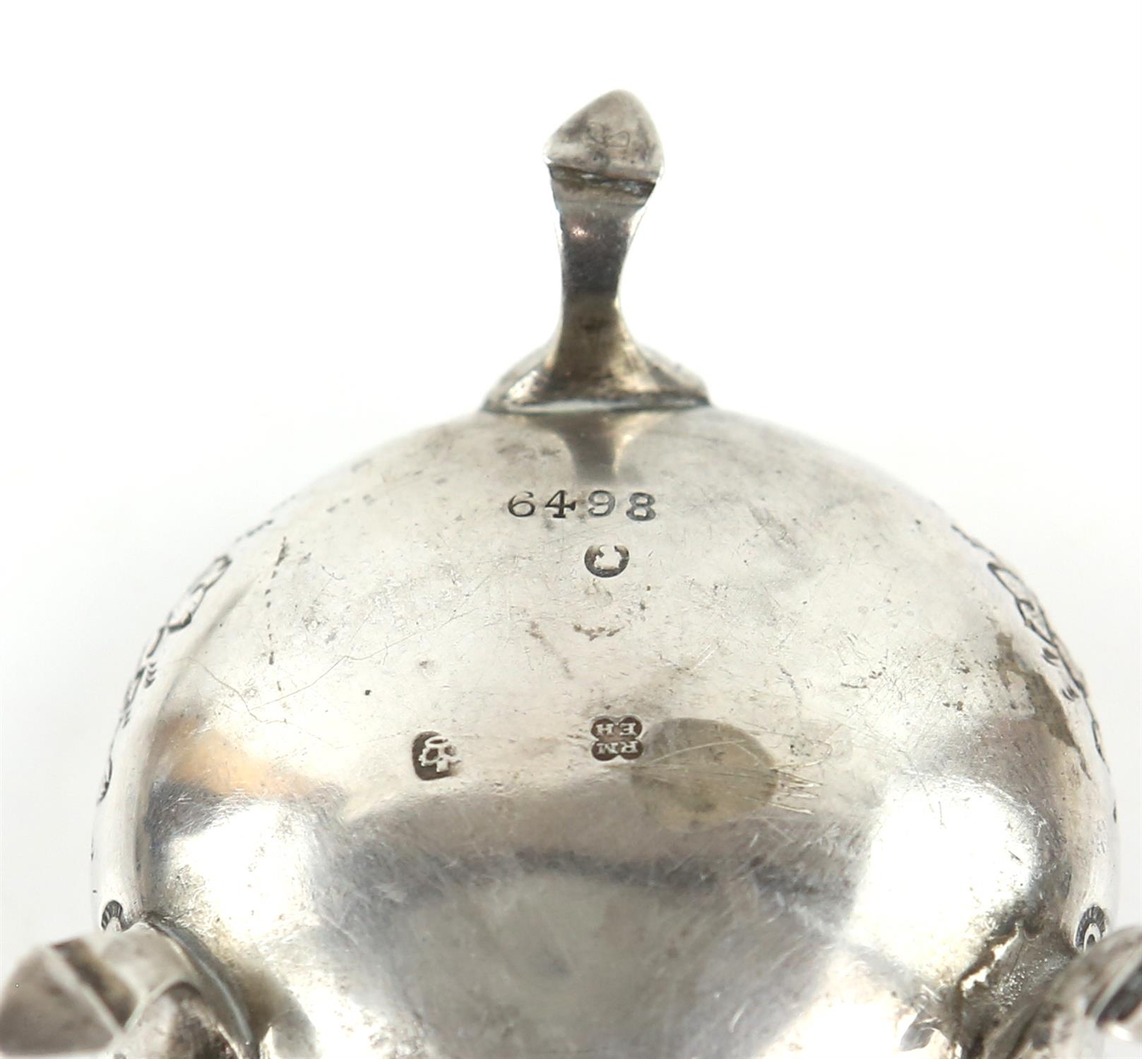 American sterling silver pepperette with floral embossed ddecoration, marked Sterling, - Image 7 of 18