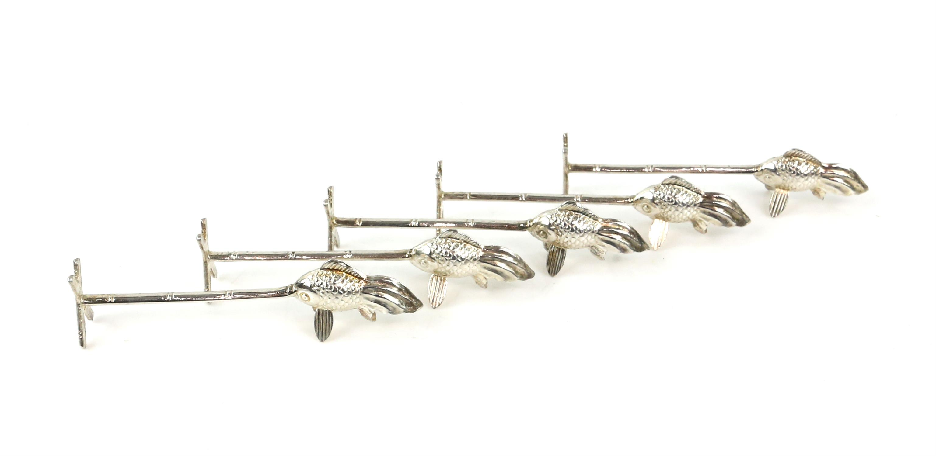 Japanese sterling silver cased set of novelty cutlery/chop stick rests, the bar and one end of