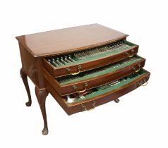 Mahogany canteen of silver King's Pattern cutlery, to include 24 table forks, 2 salt spoons,