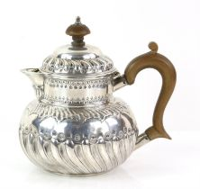 George III silver teapot with embossed and gadrooned decoration, gross weight 12oz, 373g,