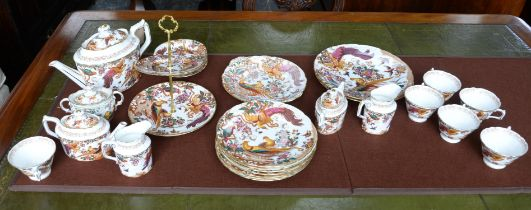 Royal Crown Derby Olde Avesbury pattern part service, to include 2 large plates, 8 plates,